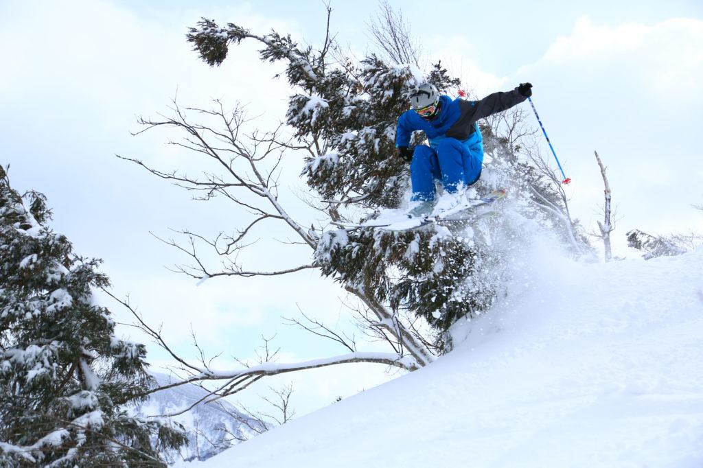 スキーインストラクター冬のアルバイト