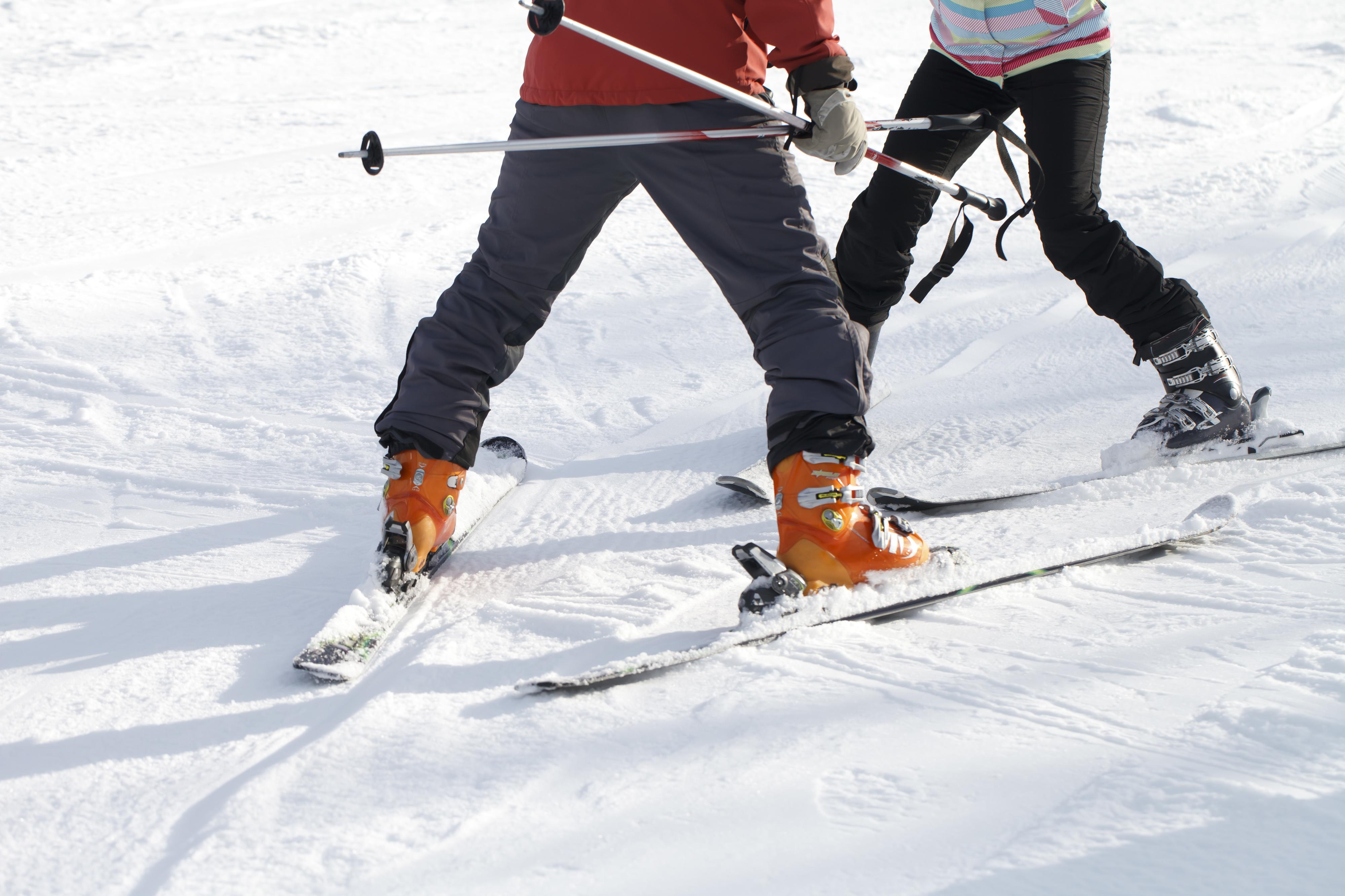 【スキー場バイト職種ガイド】冬のスキー場求人の仕事内容を解説