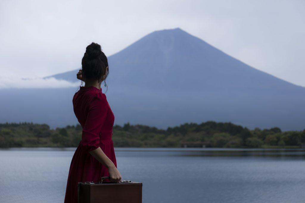 リゾートバイト 髪型 富士山
