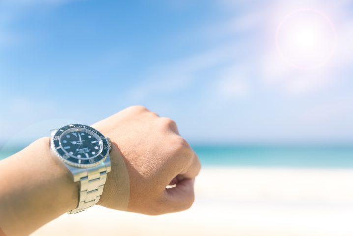 リゾートバイト時計