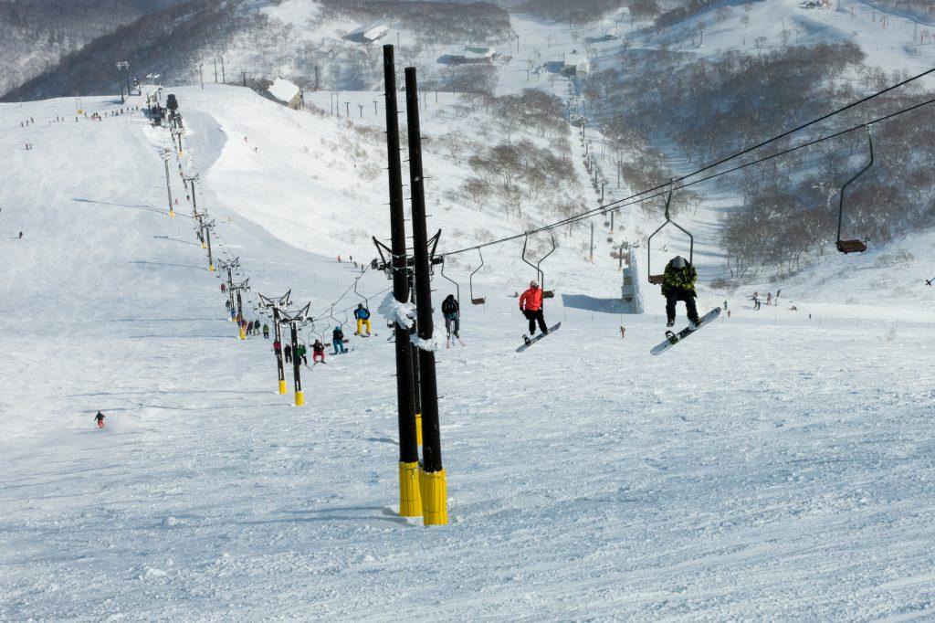スキー場リフト係仕事