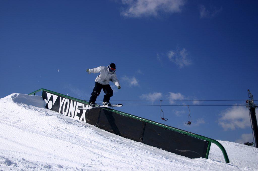 安比リゾートバイト冬スノボ