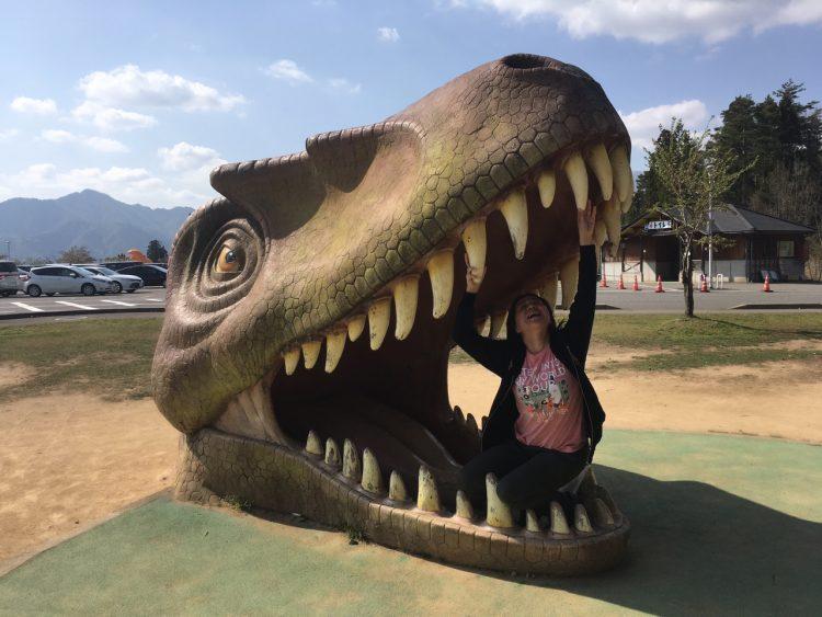 恐竜に食べられたリゾートバイト